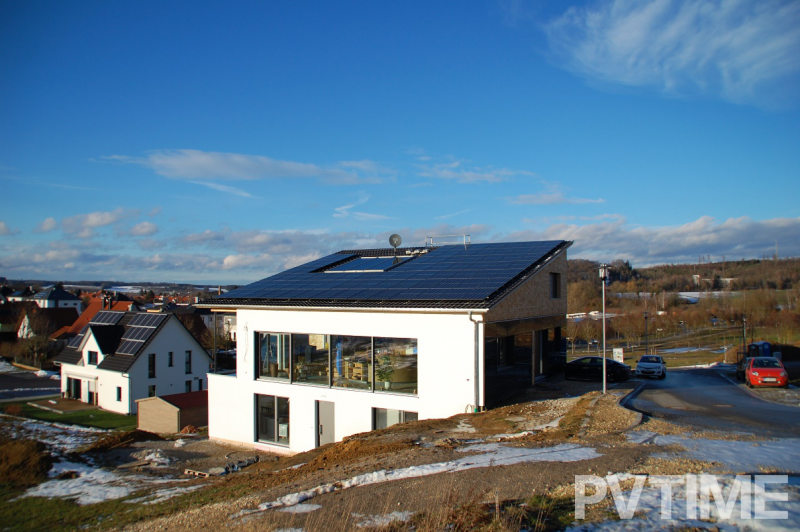 100% energy-autonomous passive house in Germany equipped with Q CELLS' solar modules receives federal award for outstanding innovative performance in craftsmanship-PVTIME
