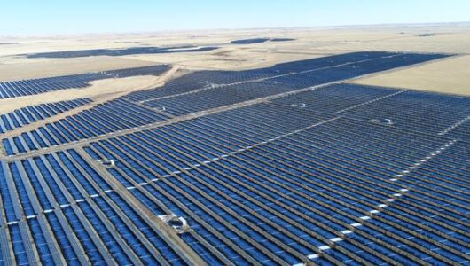 Canada's Largest Solar Facility Now Soaking up the Rays in Southern Alberta